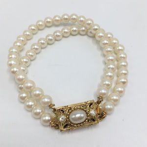 "Nordstrom pearl bracelet 7"" gold clasp antique"